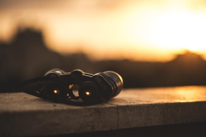 binoculars-1209892_1280